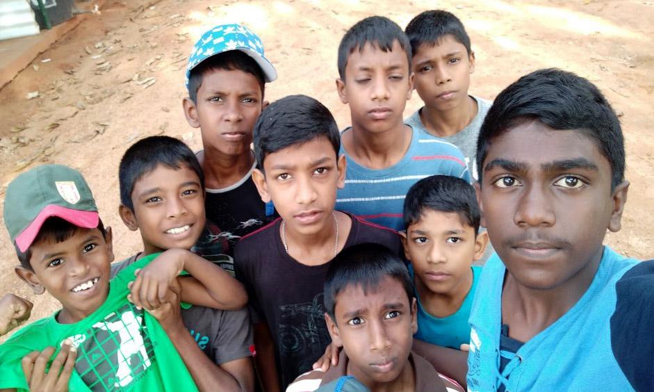 jongens maken een selfie